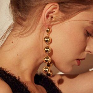 Jewelry - Elegant long Beaded ball earrings jewelry